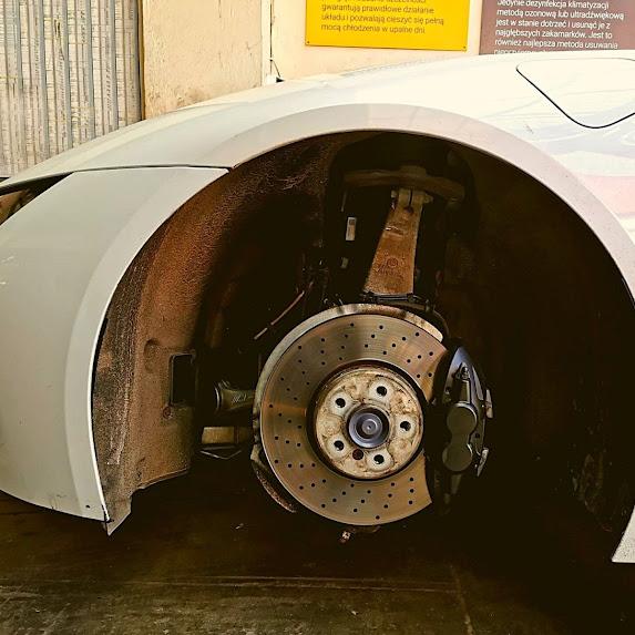 HARP-BMW-i8